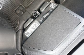 新型ステップワゴン画像002.jpg